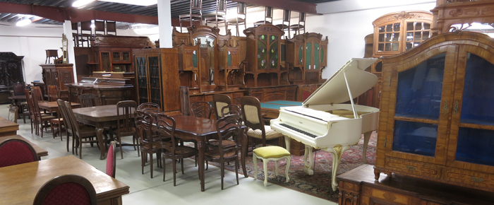 startseite katanga antik kolosseum. Black Bedroom Furniture Sets. Home Design Ideas
